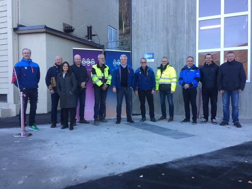 Fra venstre: Thor Åge Jensen (SKS), Ragnar Pettersen (SKS), Heidi Theresa Ose (Sweco), Widar Skaug (SKS), Arne Kjell Andersen (Bernhardsen Entreprenør), Steinar Pettersen (SKS), Stein Mørtsell (SKS), Arne Christian Mathisen (Fauskebygg), Leif Roar Stavnes (Fauskebygg), John Kristian Skagestad (Rainpower) og Robert Helgesen (SKS).
